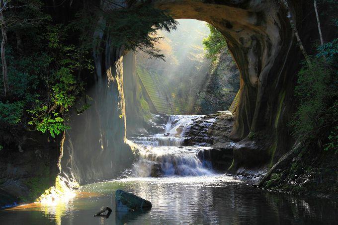 4.清水渓流広場(亀岩の洞窟・濃溝の滝)
