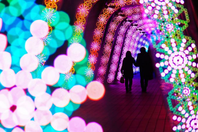 ラクーアエリアの南側に設けられた光のトンネルは必見!