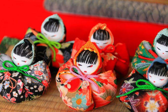 長屋門の内部には様々な種類の雛人形が!