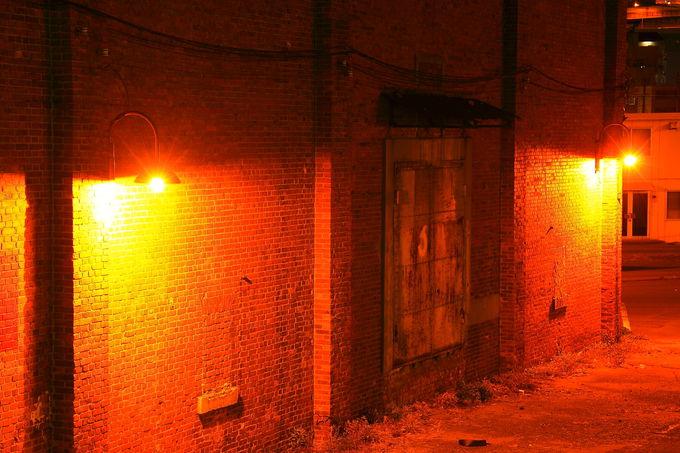 「臨港緑地」の北側にあるレトロな赤レンガ倉庫群も必見!
