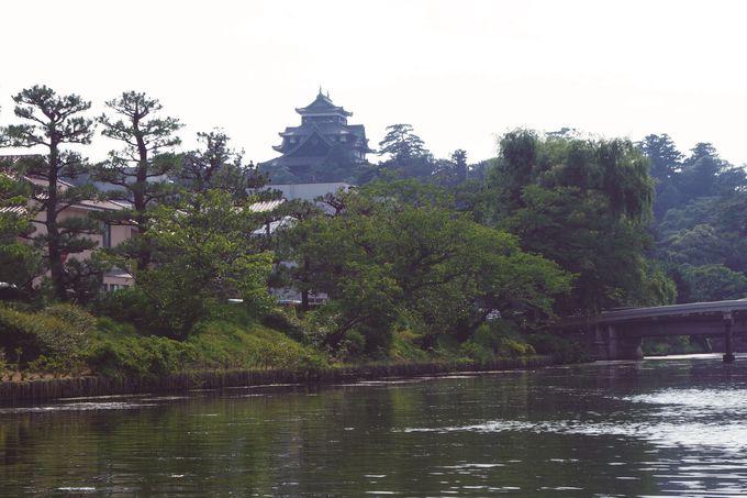 松江城を囲む堀川めぐりでお茶体験「茶の湯堀川遊覧船」