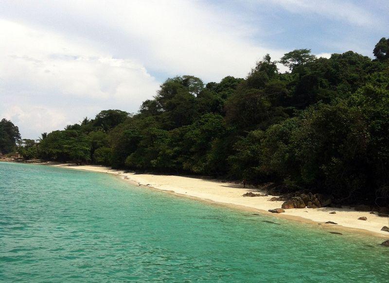 自然がいっぱい!タイ・チャーン島で楽しむシュノーケリングツアー