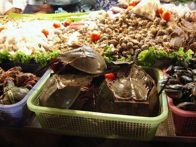 新鮮なシーフードを自分好みにカスタマイズして食べよう!