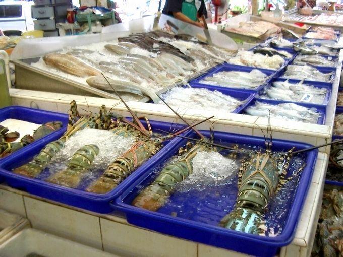 新鮮で大きな魚介類がズラリ!中には珍しいお魚も…?