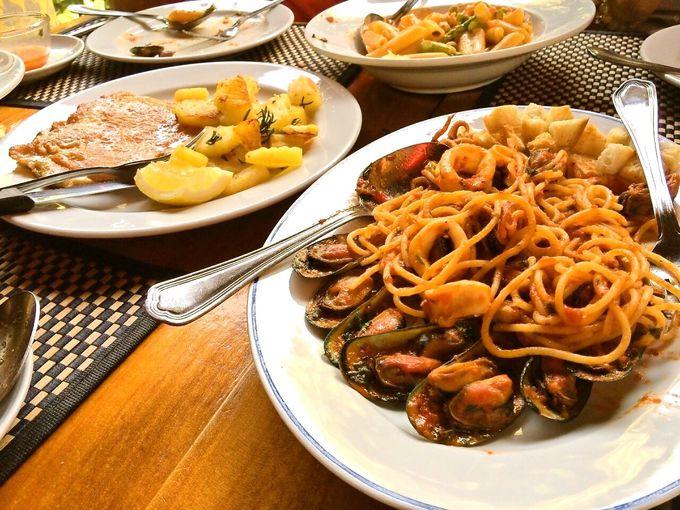アンティパスト、ピザ、パスタ、メイン料理も種類豊富!