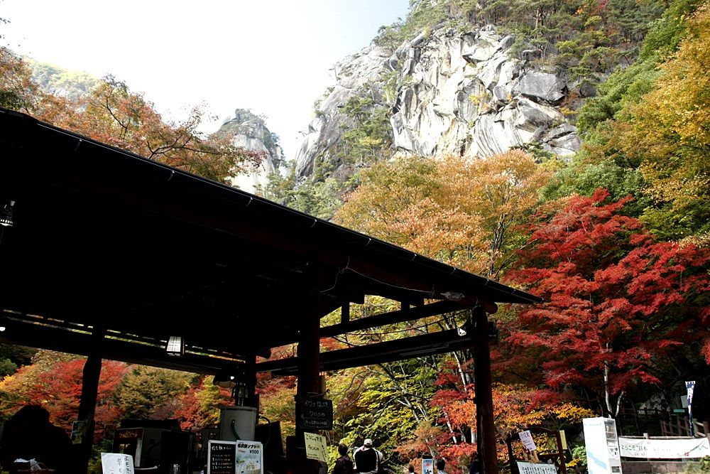 昇仙峡のシンボル「覚円峰」をランチをしながら見る