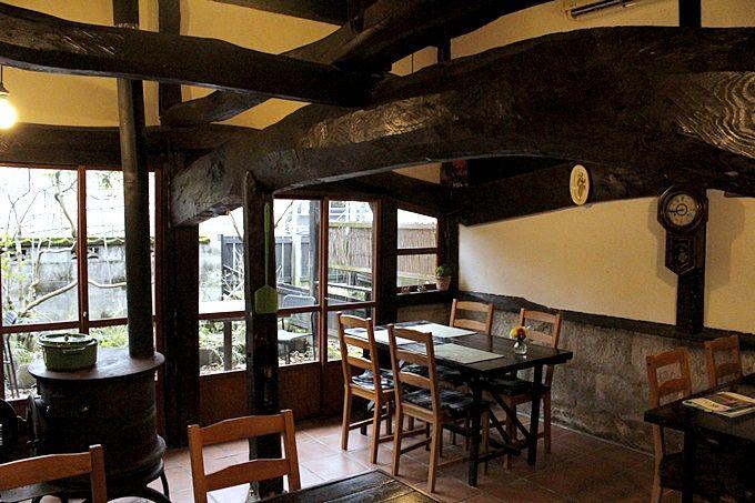 牛舎を改装したレストランスペース