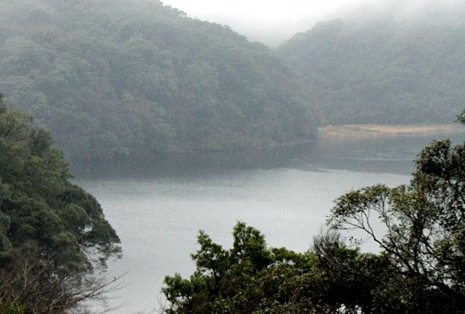 1.霧島東神社から望む、龍が住む『御池(みいけ)』