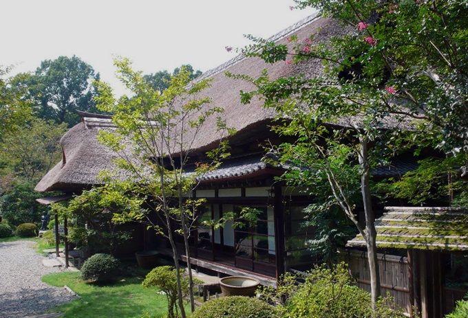 魯山人の美意識が詰まった「春風萬里荘」。