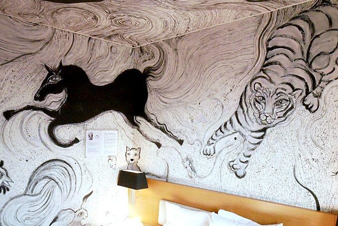 客室がまるごとアート!一度は泊まってみたいパークホテル東京・アーティストルーム