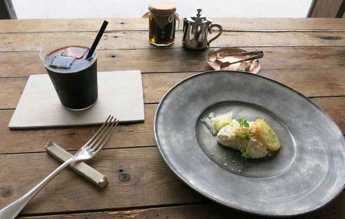 8.カフェ「牡蠣祝」