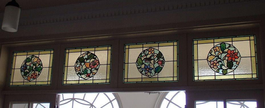 花鳥風月のステンドグラス