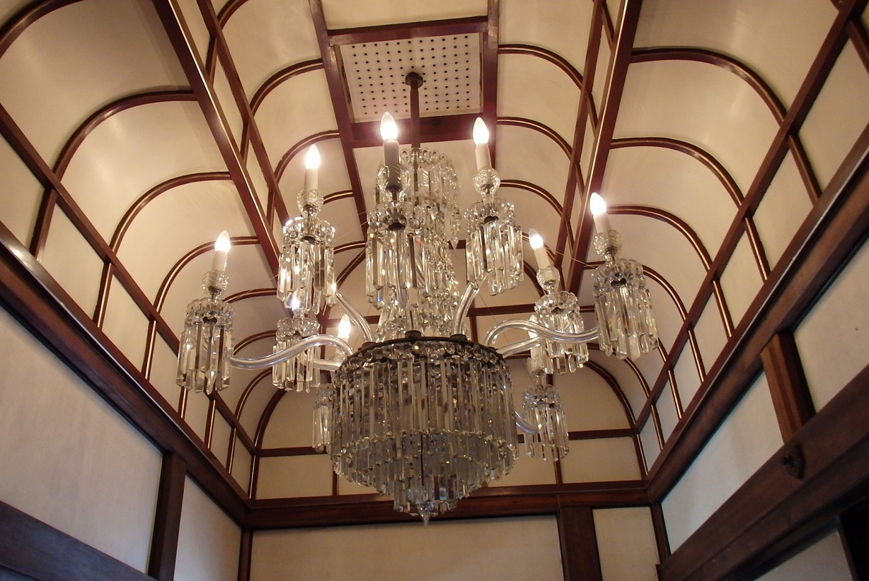 シャンデリアのある三井八郎右衞門邸は不思議!江戸東京たてもの園