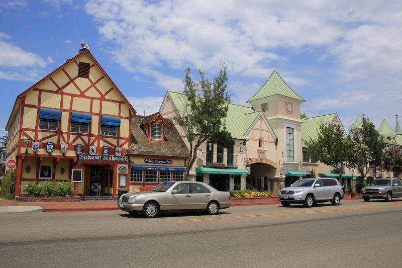 ここはデンマーク!?米・西海岸の美しい町Top10に輝いたソルバング