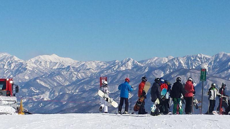 滑る楽しさ幾万通り!?長野・白馬「よんなな」は雪山全部が遊び場だ!