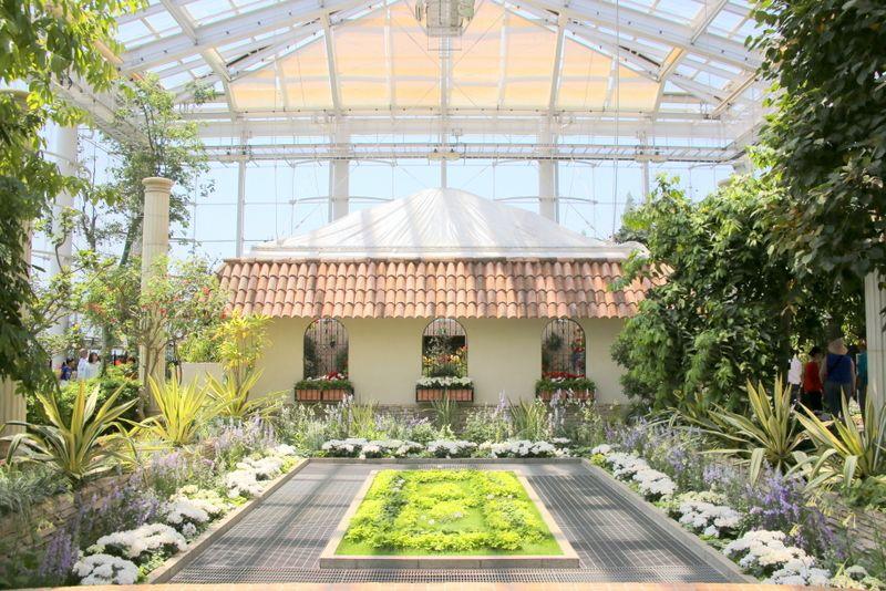 四季に応じて変化する温室