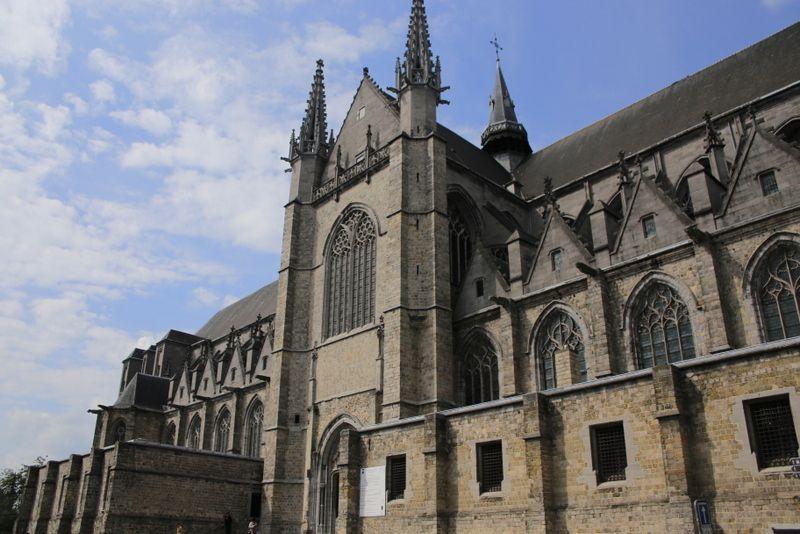 完成に200年要した大教会