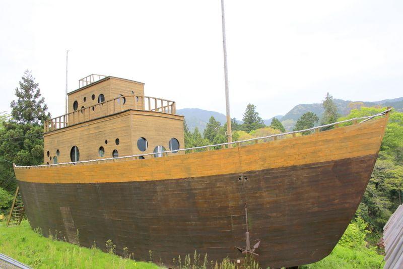 山に船という異色の組み合わせ