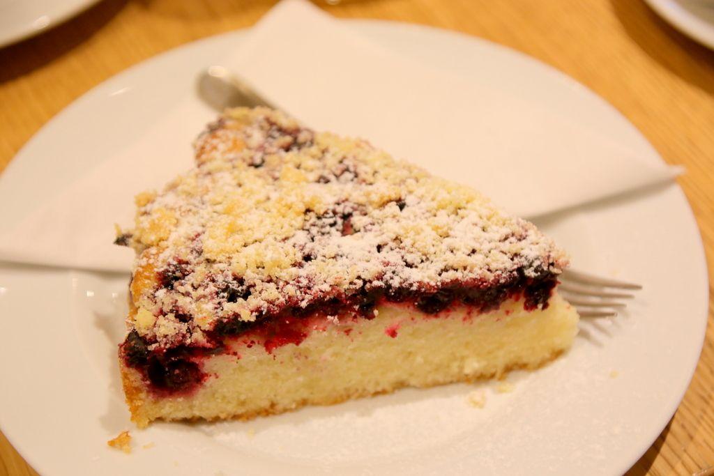 ケーキにギャラリー、部屋からの眺めなど楽しみ方がたくさん