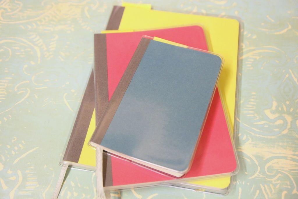 全色揃えたくなるカラフルなノート