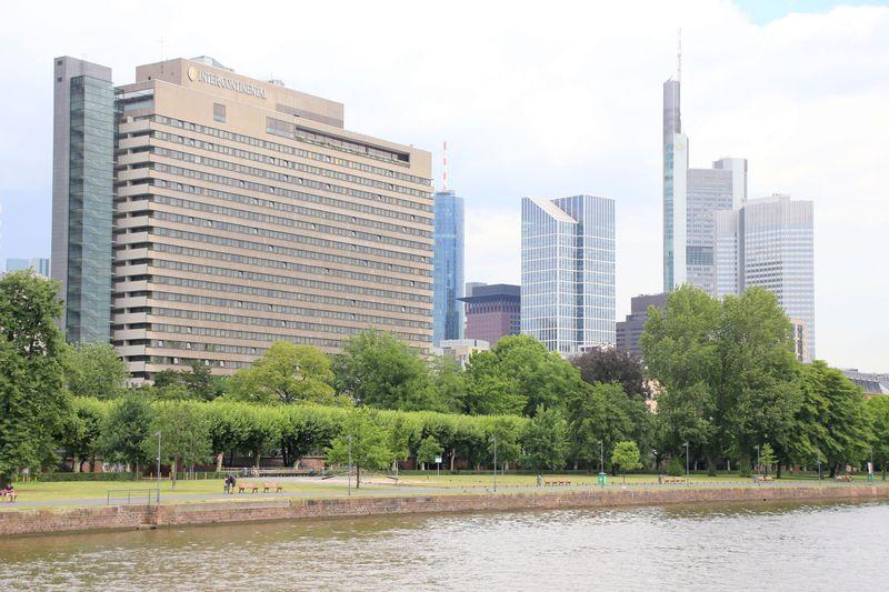 マイン川に寄り添うホテル「インターコンチネンタル フランクフルト」