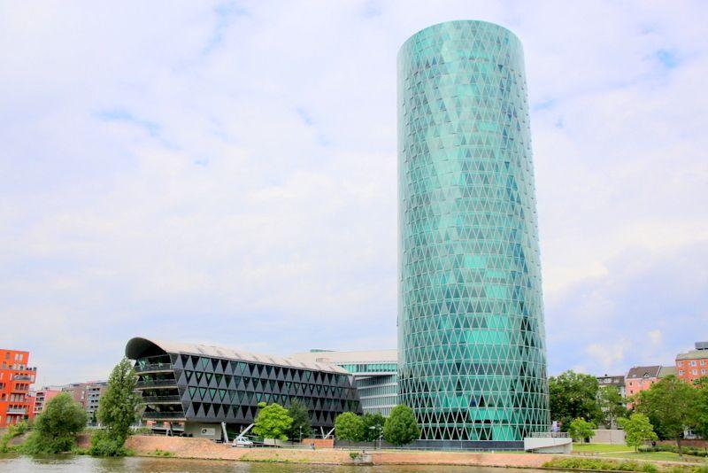 7.ヴェストハーフェン タワー/フランクフルト