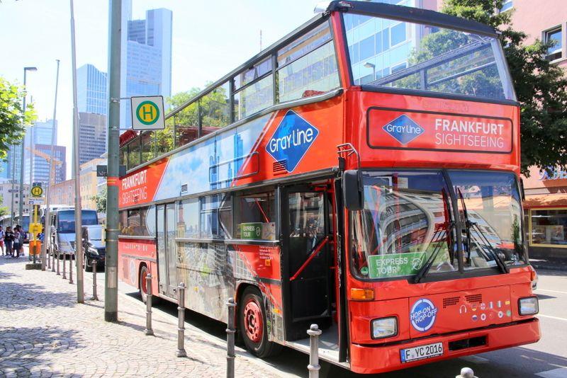 主要観光地を効率よく回ってくれるバス