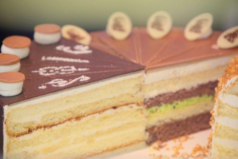 みんな大好き!ケーキは全種類制覇で