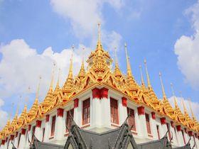 バンコク「ロハ・プラサート」はタイの輝く黄金ピラミッド!