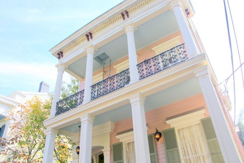 新デザインや豪邸もここの魅力
