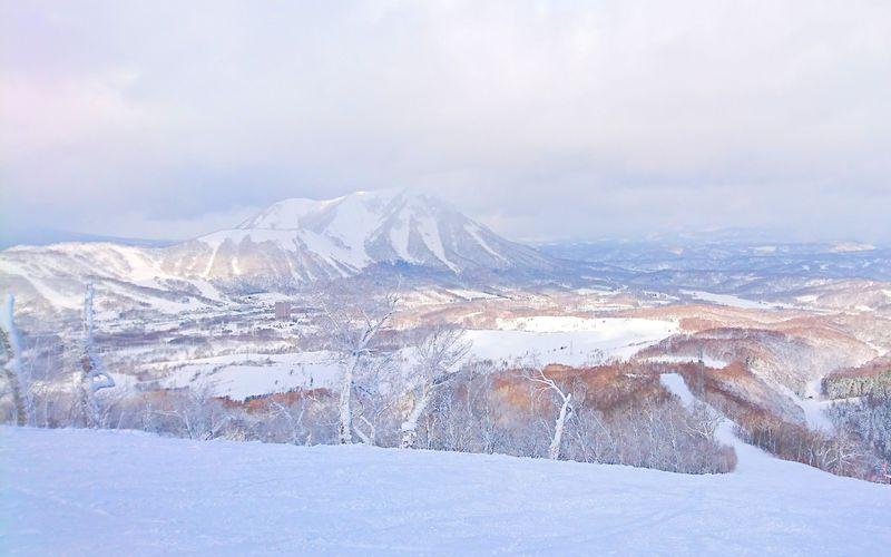 北海道の人気ゲレンデ「ルスツリゾート」のコースには誰もいない!?