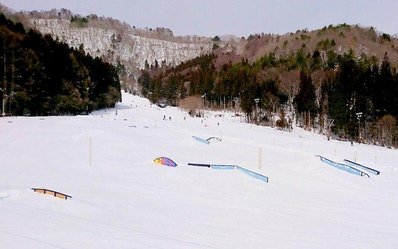 パークと長〜い林間コースが楽しい!長野「鹿島槍スキー場」