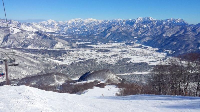 新緑が眩しい5月でも滑れる!スキー・スノボにおすすめスキー場5選