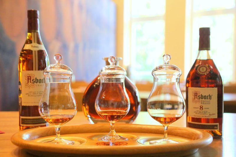 独リューデスハイム「アスバッハ」ワインの町で誕生したブランデー