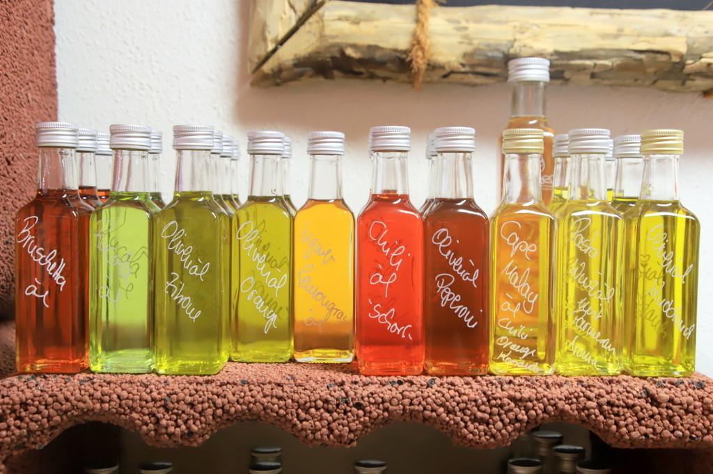 香りと色彩豊かなブレンド酢