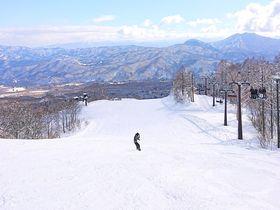 新潟「赤倉温泉スキー場」たっぷりな天然雪が創る大型ゲレンデ