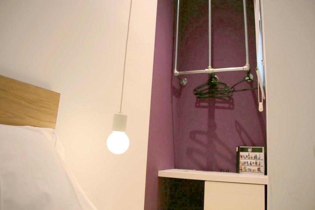 シンプルで機能美を秘めた客室