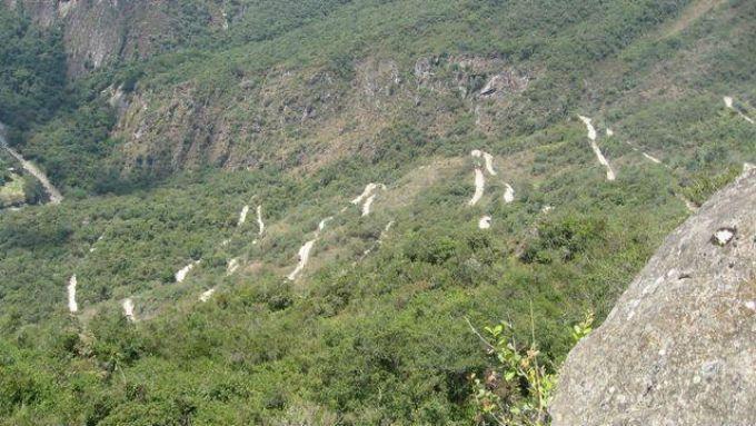 マチュピチュへの道のりはけっこう険しい!その先の光景に思いを馳せて