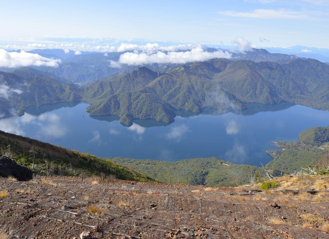 日光のランドマークたる霊峰へ登山〜眺望の日光男体山