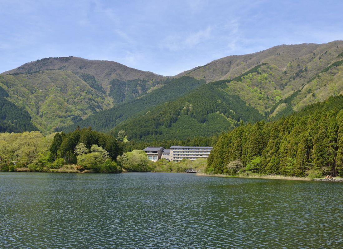 田貫湖と長者ヶ岳〜富士山を西側から望む屈指の展望地