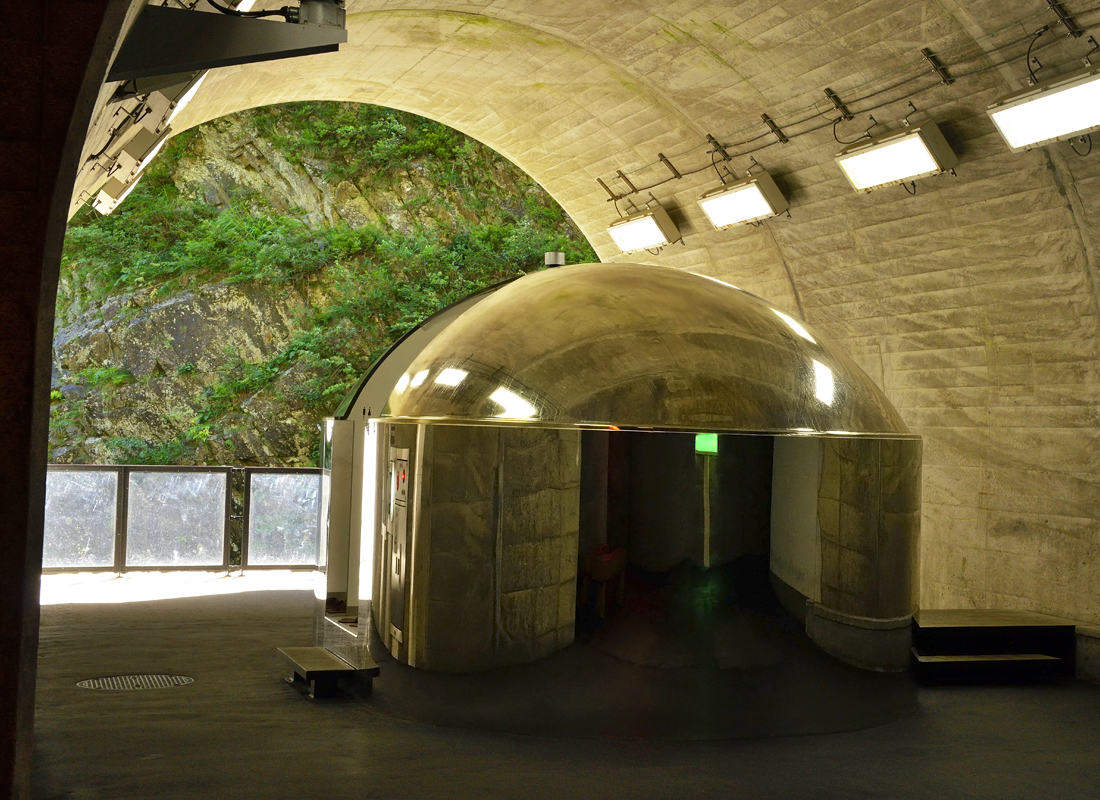 第2見晴所〜秘密の展望室と変化に富む峡谷の景観