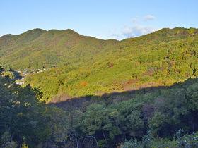 眺望の尾根道と歴史を巡るハイキング!栃木・太平山と岩船山