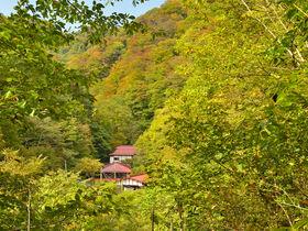 群馬で秘湯と展望を堪能する山旅〜霧積温泉金湯館と鼻曲山