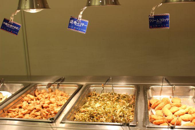 朝食ビュッフェでは沖縄料理も