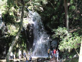 「寿老の滝」に打たれて楽しく水遊び!岐阜県恵那市の秘境滝へ