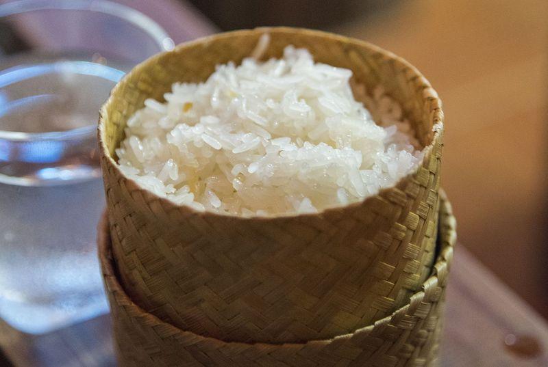 食べ方にもこだわろう!代表的なラオス伝統料理5選