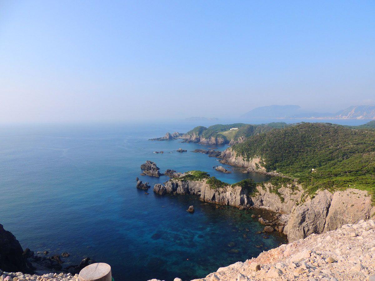 式根島の絶景ポイント「神引展望台」