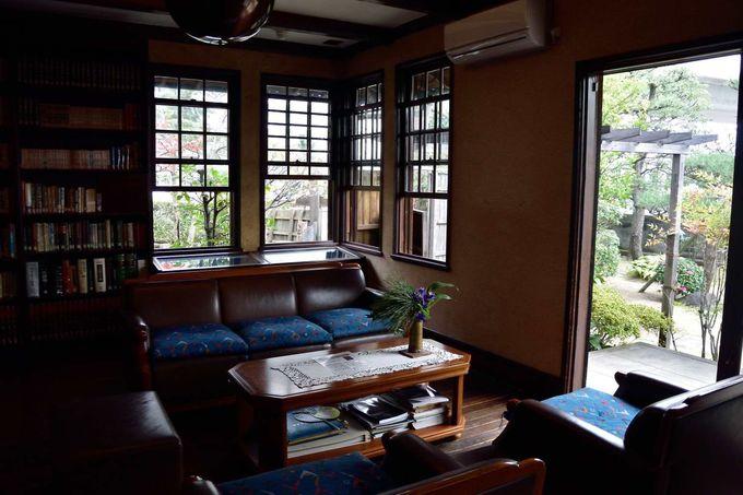 昭和レトロな邸宅、小説のモデルとなった「倚松庵」