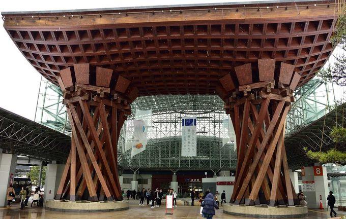 金沢駅に着いたらまず「城下町金沢周遊バス」に乗るべし!