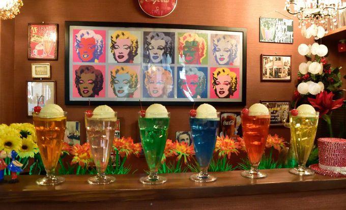暑い京都の夏、移動の合間にクリームソーダを